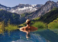 Que diriez-vous d'un séjour relaxant à l'oasis de bien-être avec une vue exceptionelle ?   Avec cet offre de vacances d'ideecadeau.ch vous passez à deux une nuit à l'hôtel 4 étoiles Superior Hotel The Cambrian Adelboden. Le prix à partir de 399.- comprend le petit-déjeuner et l'accès à l'espace bien-être.  Vois ici l'offre bien-être: http://www.besoin-de-vacances.ch/vacances-de-detente-a-adelboden-2-personnes/