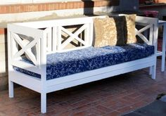Build this outdoor sofa for $40... add an enclosure to it for in front