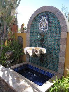 Pretty mosaic garden fountain #water feature