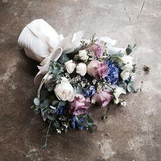 Lesson Order Katalk ID vaness52 E-mail vanessflower@naver.com . #vanessflower #vaness #flower #florist #flowershop #handtied #flowergram #flowerlesson #flowerclass #바네스 #플라워 #바네스플라워 #플라워카페 #플로리스트 #꽃다발 #부케 #원데이클래스 #플로리스트학원 #화훼장식기능사 #플라워레슨 #플라워아카데미 #꽃수업 #꽃주문 #부케 #花 #花艺师 #花卉研究者 #花店 #花艺 . . 플로리스트클래스 화요일 12pm 잔여석 있어요 신청 원하시는분은 카톡 vaness52로 문의 주세요