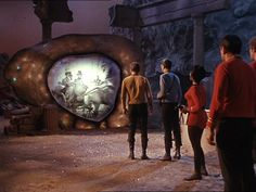 Classic TV Episodes: Star Trek – The City on the Edge of Forever Star Trek Tv Series, Star Trek Original Series, Star Wars, Star Trek Tos, Harlan Ellison, Star Trek Episodes, Tv Episodes, Star Trek 1966, Star Trek Universe