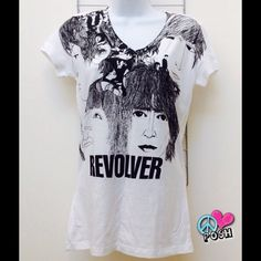 The Beatles Revolver Tee Shirt The Beatles ☮ Revolver Tee Shirt  Tag Size L but will Fit Medium Best  100% Cotton ✌️  NO TRADE Tops Tees - Short Sleeve