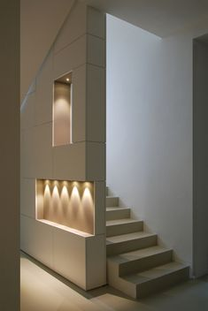Tremendous Wall Niche Ideas That Will Spice Up Your Home Interior Stairs, Interior Architecture, Interior And Exterior, Interior Livingroom, Modern Staircase, Staircase Design, Staircase Ideas, Plafond Design, Interior Decorating