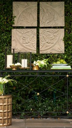 Fashioned in a lavish floral and scroll design, our 4-piece Medallion Wall Plaque brings architectural beauty and sumptuous tactile appeal to outdoor wall decor.