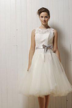 etsy-seller-chic-vintage-inspired-wedding-dress-inexpensive-tulle-skirt-bateu-neck-silver-ribbon