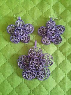 Orecchini fiore viola quilling