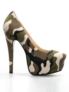 Chic Camouflage Platform High Heels Source by shoes high heels High Heel Boots, Heeled Boots, Shoe Boots, Stiletto Pumps, Pumps Heels, Stilettos, Camo Heels, Camo Boots, Camouflage