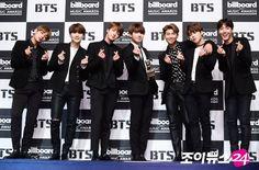 BTS na conferência de imprensa da KBS [280517]