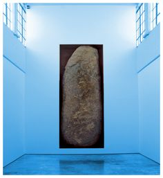 Michael Heizer's Negative Megalith at Dia: Beacon. The work is a giant rock that has been set on end and into a steel-lined niche. Installation Street Art, Op Art, Dia Beacon, Jacquemus, Environmental Art, Wood Sculpture, Art World, Nevada, Contemporary Art