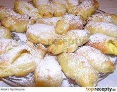 Rohlíčky ze šlehačkového těsta/ ráda dělám na vánoce, jsou skvělé European Dishes, Eastern European Recipes, Fun Foods To Make, Food To Make, Croissant Recipe, Fruit Roll Ups, Czech Recipes, Biscuit Cookies, Christmas Sweets