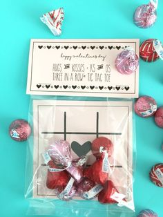 and Kisses Valentine & Tic Tac Toe Game Hugs and Kisses, Tic Tac Toe Valentine treat and game for the classroom and perfect for boys or girls!Hugs and Kisses, Tic Tac Toe Valentine treat and game for the classroom and perfect for boys or girls! Valentines Bricolage, Kinder Valentines, Valentines Games, Valentines For Boys, Valentine Day Love, Valentines Day Party, Valentine Day Crafts, Valentine Ideas, Valentine Cards For School