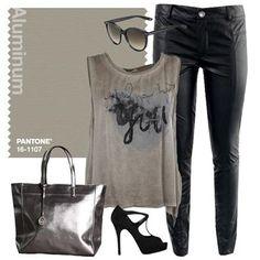 Un outfit dai mille bagliori! Aluminium is the trend!