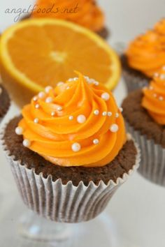 Jaffa Cupcake Recipe and Video Tutorial Jaffa cupcakes are (one) of the perfect flavour combinations: chocolate and orange. Easy Cupcake Recipes, Healthy Cake Recipes, Nutella Recipes, Cupcake Ideas, Cake Works, Basic Cake, Cake Business, Cake Flavors, Cream Recipes