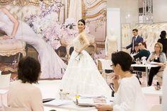 Ieder jaar reizen wij af naar de grote B2b bruidsbeurzen om 'up to date' te blijven op het gebied van bruidsmode. Natuurlijk maken wij altijd een mooie keuze voor de nieuwste collectie bruidsjurken en alle benodigde bruidsaccessoires.  Voor inspiratie klik op link! Wedding Dresses, Fashion, Bride Dresses, Moda, Bridal Gowns, Fashion Styles, Weeding Dresses, Wedding Dressses, Bridal Dresses