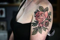 Tatuagem botânica - Alice Carrier