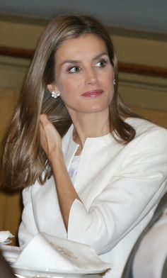 Monday, September 15, 2014 Queen Letizia  attended the 'Luis Carandell' journalism awards ceremony at the Senate building in Madrid.