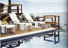 Piscina com borda infinita para o mar......  Projeto Residência em Ilha Bela Maison das Meninas
