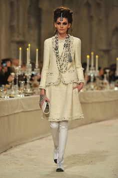 Pre-Fall 2012 Chanel show: Paris meets Bombay.  Beautiful collection! [From http://www.fashionologie.com; Source: Getty]