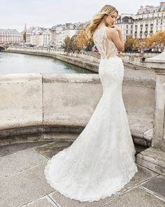 Mermaid-style wedding dress in beaded lace. Halter neckline and back with beaded lace. Wedding Dress Pictures, Pink Wedding Dresses, Wedding Gowns, Aire Barcelona Wedding Dresses, Wedding Dresses Pinterest, Gown Photos, Dress Out, Perfect Wedding Dress, Dress Collection