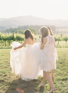 Photography: Clary Pfeiffer Photography - claryphoto.com   Read More on SMP: http://www.stylemepretty.com/2016/06/10/timeless-traditional-vineyard-wedding/
