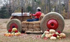 LIBERTY — The tractor Roger Shoffner and his wife, Janet, put together in front of their house isn't good for a lot of farming chores, Hay Bale Decorations, Outside Fall Decorations, Tractor Decor, Fall Yard Decor, Pumpkin Patch Party, Cadeau Surprise, Autumn Display, Fall Displays, Farm Fun