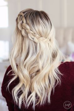 Floating braid - twistmepretty Love the hairstyles she does and they are so easy!
