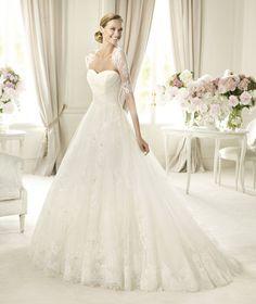 Pronovias te presenta el vestido de novia Pergola, Costura 2013. | Pronovias