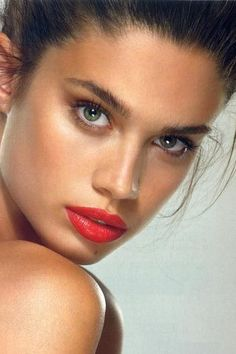Sara Sampaio / Red Lips
