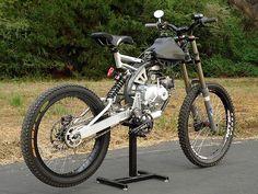 Motoped: l'anello mancante tra moto e mountain bike - 13 - anteprima Pit Bike, Cool Bicycles, Cool Bikes, Harley Davidson Motorcycles, Cars And Motorcycles, Dh Velo, Velo Biking, E Mountain Bike, Moto Scrambler