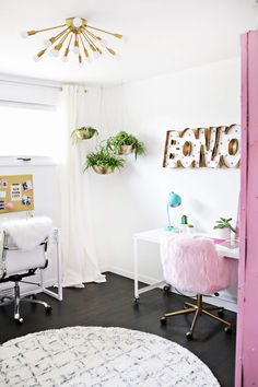 Lauras Craft Room (
