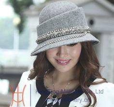 Goedkope Fedoras, koop rechtstreeks van Chinese leveranciers:   Naam van het item: onze nieuw ontworpen vrouwen wol vilten hoed met een hoge goede kwaliteitwollen stof hoed met diamant behuizingenStijl geen.: zm-0048Hoed omtrek: 56 tot 58 cm( kan wor