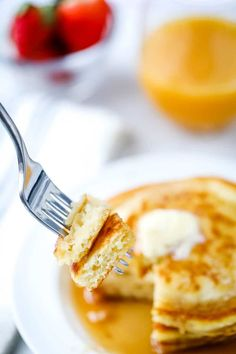Delicious every time! You'll love these easy, light, fluffy homemade pancakes! Made with ingredients you already have in your pantry. Homemade Crumpets, Homemade Pancakes Fluffy, Pancakes Easy, Homemade Waffles, Fluffy Pancakes, Best Pancake Recipe, Pancake Recipes, Bread Recipes, Yummy Recipes