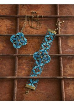 Bobbin Lacemaking, Lace Heart, Lace Jewelry, Needle Lace, Hand Embroidery Designs, Lace Design, Yarn Crafts, Lace Detail, Turquoise Bracelet