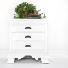 White Painted Furniture. Pretty White Nightstand.