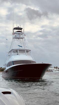 Pin on Boats Fishing Videos, Fishing Tips, Fishing Lures, Fishing Hook Knots, Viking Yachts, Sport Fishing Boats, Fishing Tournaments, Palm Beach Florida, Mercedes Maybach