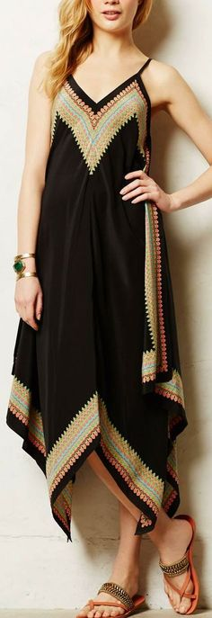estrella maxi dress.....don't usually like maxi dresses but this is pretty :)