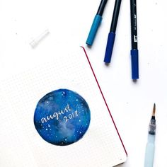 More galaxy goodness by More beautiful sky scene ideas for great cover pages, like this one here! This one has more of a watercolor vibe. White gel pen makes for beautiful stars setting over the watercolor on this bullet journal layout. Bullet Journal Contents, Bullet Journal Month, Bullet Journal Cover Page, Bullet Journal Tracker, Bullet Journal Hacks, Bullet Journal Printables, Bullet Journal Themes, Bullet Journal Spread, Bullet Journal Layout