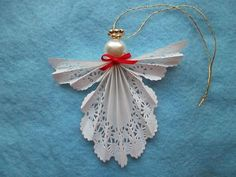 Paper Doily Angel Craft Paper Doilie Angel I Would Use Pipe Cleaners For The Halo Or A Gold. Paper Doily Angel Craft T Matthews Fine Art First Friday Art Class For December Paper Doily Angel Craft Paper Doily Angel… Continue Reading → Paper Doily Crafts, Doilies Crafts, Paper Doilies, Christmas Ornament Crafts, Christmas Angels, Christmas Diy, Christmas Crafts, Outdoor Christmas Tree Decorations, Diy Angels