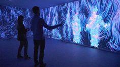 Quantum Space, instalación interactiva con interminables espejos digitales