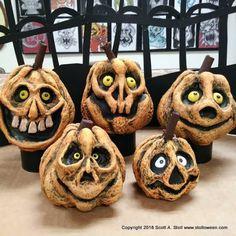 Halloween Clay, Halloween Candles, Halloween Ornaments, Halloween Prints, Halloween Porch, Outdoor Halloween, Diy Halloween Decorations, Halloween Kids, Halloween Pumpkins
