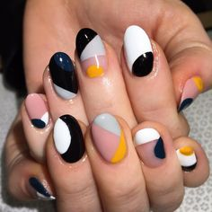 We are loving these color blocked nails! The color combination is gorgeous, and it looks very chic & stylish. Would be perfect for work and nights out!