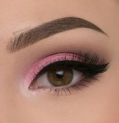 Valentine's Day Look matte eye palette (shades: chinchilla and coffee bean) Eyes like angels palette (shades pink!,pearl necklace,cream) chocolate nudes eyeshadow palette (darkest brown shade) Brows: dipbrow pomade in medium brown (Pic: Pink Makeup, Cute Makeup, Pretty Makeup, Makeup Art, Hair Makeup, Makeup Eye Looks, Beautiful Eye Makeup, Makeup Inspo, Makeup Inspiration