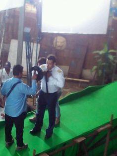 "Behind the scenes: Rohit Shetty and Salman Khan shoot for ""Bigg Boss 8"" promo 0"