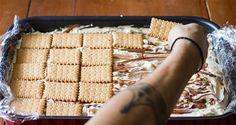 Γλυκές Τρέλες: Παγωτό Σάντουιτς του Ακη! Cookbook Recipes, Sweets Recipes, Cooking Recipes, Greek Desserts, Greek Recipes, Raspberry Tea, New Flavour, Sorbet, Gelato