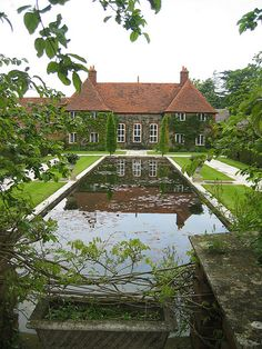 CURB APPEAL – another great example of beautiful design. Folly Farm by E.L. Lutyens, Architect.