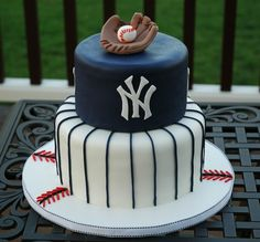 New York Yankees baseball theme fondant groom's cake.