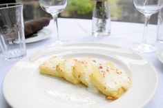 Try this rich, satisfying recipe for Gnocchi alla Romana, a Roman-style gnocchi made not from potato but semolina flour. Gnocchi Alla Romana Recipe, Baked Pasta Dishes, Main Dishes, Side Dishes, How To Cook Gnocchi, Italian Menu, Gnocchi Recipes, Pasta Bake, Looks Yummy