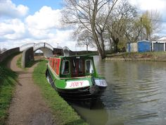 Moored in Braunston for Sunday lunch Best Family Vacations, Love Boat, Canal Boat, Narrowboat, Flower Beds, Rivers, Countryside, Boats, Sunday
