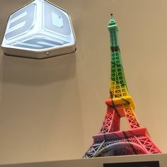 3D printed Eiffel Tower. Fancy. #CES2016 #3dprinting by wearablesmag