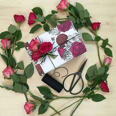 Embrulho com rosas @wrapco